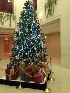 青山ダイヤモンドホールのクリスマスツリー